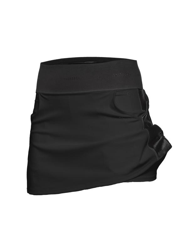 Goldbergh Jena Rock schwarz von vorne mit Shorts
