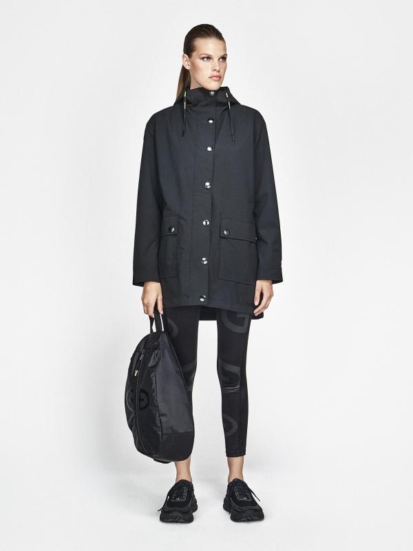 Goldbergh Odelia Jacke für Damen in schwarz, Ansicht mit Model von vorne